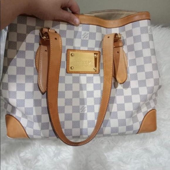 e385a1593195 Louis Vuitton Handbags - Authentic Louis Vuitton Azur Damier Handbag
